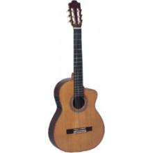Классическая гитара с пьезозвукоснимателем Admira Alicia-EC