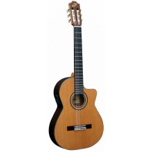 Классическая гитара с пьезозвукоснимателем Admira Artista EC