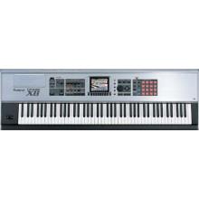 Синтезатор Roland Fantom-X8