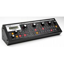 Аналоговый синтезатор Moog Slim Phatty