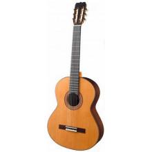 Классическая гитара Ramirez R2